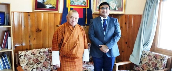 Consul General Shri Ashish Middha met Chairman, Druk Holding and Investments (DHI) Dasho Ugen Chewang in Thimphu today. The two had discussions on issues of bilateral interest.